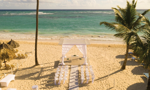 Destination weddings: 9th guest stays free